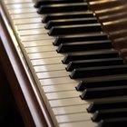 Cómo tocar acordes de guitarra en el piano