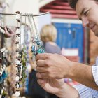 Cómo administrar el inventario para un negocio de joyería casero