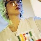 ¿Cuál es el ingreso anual de un científico biólogo?