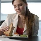 ¿Cuántas calorías hay en un sándwich de atún?