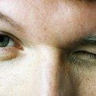 ¿Qué significa el parpadeo del ojo izquierdo?