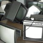 Cómo quitar la base de un televisor para montarlo en una pared