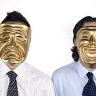 Cómo hacer una máscara veneciana de papel maché