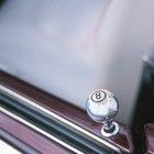 Cómo cambiar la contraseña de la cerradura de un Lincoln Navigator