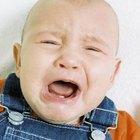 Cómo calmar el dolor de estómago de un bebé