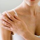 Cómo poner un vendaje de compresión en el hombro