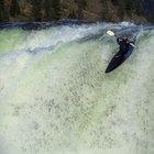 ¿Cómo elegir una buena pala para practicar kayak en los rápidos?