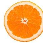 Qué tipo de alimentos contienen vitamina C, calcio y ácido fólico