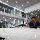 Cómo reemplazar las bujías de un Ford Windstar