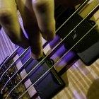 Cómo reparar la cuerda rota de una guitarra acústica