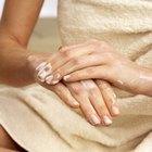 ¿Qué tratamientos hay para las manos secas y agrietadas?