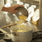 Cómo hacer sopa de pollo con pechuga de pollo