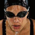 Ojos dañados por las gafas de protección para nadar