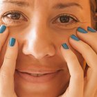 How to Clear Up Dark Circles Under the Eyes