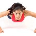 Las mujeres y los ejercicios de músculos pectorales