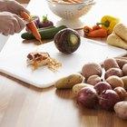 Cómo cocinar zanahorias y patatas frescas en el microondas