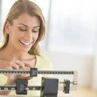 ¿Cuántos carbohidratos, grasas y proteínas debo comer a diario para bajar de peso?