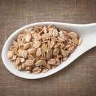 Does Instant Oatmeal Have Less Fiber Than Rolled Oats?