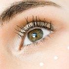 El uso del retinol para reducir la hinchazón debajo de los ojos