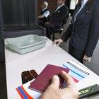 ¿Cómo obtener un sello I-551 temporal en un pasaporte extranjero?