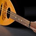 Cómo tocar una mandolina de 8 cuerdas