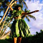 How Do the Hula Girls Dress in Hawaii?