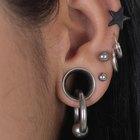 Cómo evitar los queloides por la perforación de las orejas