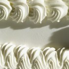 The Difference Between Whipped Icing & Buttercream