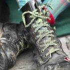Cómo hacer botas de vaquero para un disfraz para niños