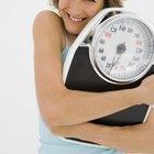 Si quiero perder 2 libras cada semana, ¿cuántas calorías debería consumir al día?