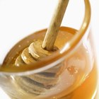 Exfoliate the Face With Honey