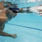 ¿Por qué se utiliza la frecuencia cardiovascular en la natación?