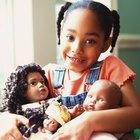 Cómo hacer un certificado de nacimiento para un muñeco bebé