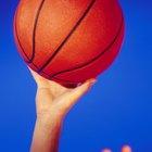 Cómo reparar una fuga en una pelota de baloncesto