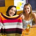 Cómo tejer un cuello circular en un suéter