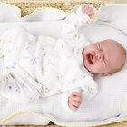 ¿Está bien poner loción en un recién nacido con piel seca?