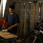 Cómo preparar masilla de madera con pegamento y aserrín