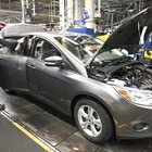 Cómo abrir el capó de un Ford Focus