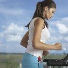El ejercicio regular, como caminar en una caminadora, mejora tu estado de ánimo y actitud mental.