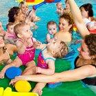 Actividades para infantes en clases de mamá y niño