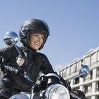 Cómo eliminar el ruido del viento en un casco de moto