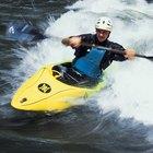 ¿Cómo equipar un kayak de aguas rápidas?