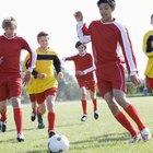 Cómo jugar de lateral en el fútbol