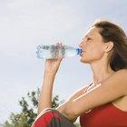 Cómo comenzar un negocio de agua envasada