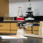 Cómo utilizar una balanza de triple brazo para encontrar la masa de un objeto
