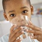 ¿Cómo calcular la ingesta diaria de líquidos para un niño?