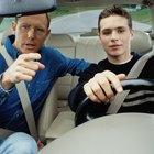 Cómo encontrar el localizador GPS en un vehículo