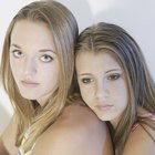 How to Help My Teenage Daughter With Friend Issues