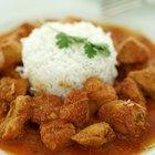 Cómo marinar el pollo para el curry