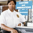 How Much Does a U.S. Customs Agent Make in Salary?